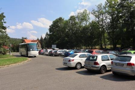 74 RR Polen Agnetendorf Gerhard Hauptmann Haus so voll war der Parkplatz noch nie
