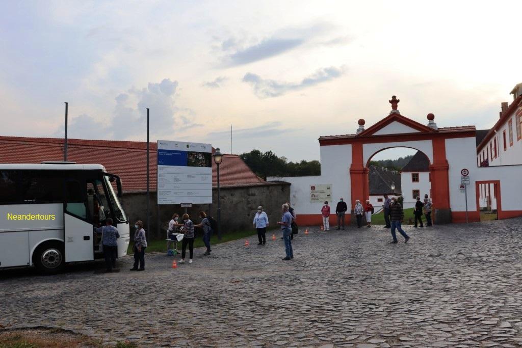 13 Unsere Vereinzelungsanlage zum betreten des Busses